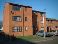 Flat to rent in Newcourt, Uxbridge...