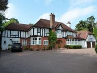 5 bedroom Detached home in Rose Walk, Purley