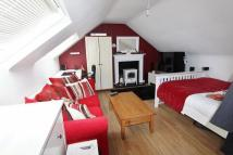 Apartment to rent in Limpsfield Road...
