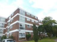 Flat to rent in Langham Gardens, Ealing