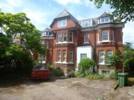 Flat to rent in Mount Avenue, Ealing
