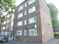 Flat to rent in Oak Way, Acton