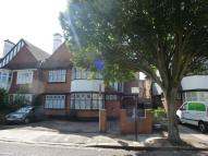 Flat to rent in Acacia Road, Acton