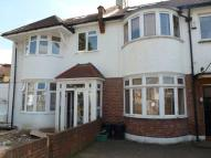 Flat to rent in Cecil Road, Acton