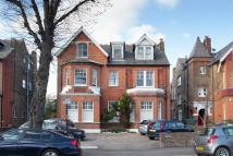 Flat in Madeley Road, Ealing