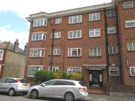 2 bedroom Flat to rent in Vale Court, The Vale...