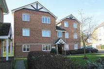 2 bedroom Flat in HEATHFIELD DRIVE, MITCHAM