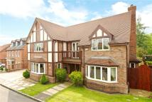 5 bed Detached house in Toot Hill Close...