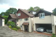 6 bedroom house in 6 bedroom Detached House...