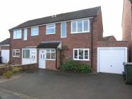 3 bed semi detached house in Farmlands Road...
