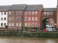 Flat to rent in Old Tannery Court...