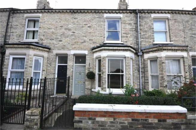 2 bedroom terraced house to rent in alma terrace fulford for Alma terrace york