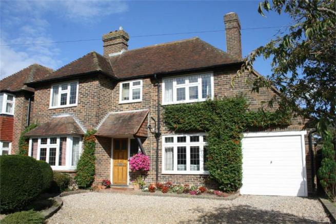 3 Bedroom Detached House For Sale In Newlands Avenue