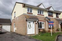 3 bed semi detached house to rent in Victoria Drive, Lyneham...