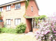 2 bedroom semi detached house to rent in Warmley Close...