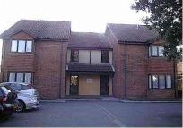 1 bedroom Studio flat in Harlington Road...