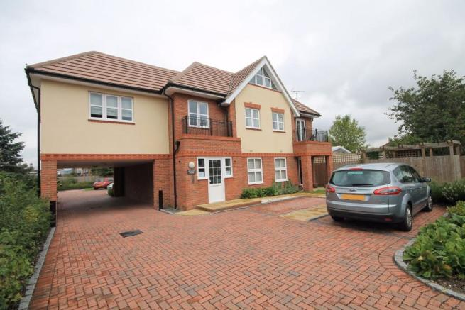 2 Bedroom Apartment To Rent In 16 18 Littleton Road Ashford Surrey Tw15