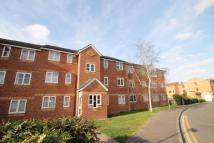 Flat in Redford Close, FELTHAM...