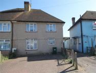 semi detached house to rent in Viola Avenue...