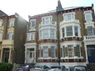 Flat to rent in Worple Road, Wimbledon...
