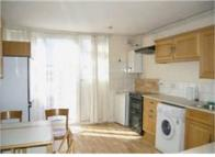 House Share in Large double bedroom...