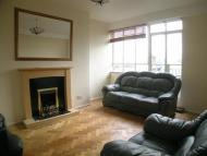 Flat in Well presented spacious...