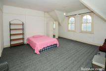 Apartment to rent in North Finchley N12
