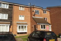 Flat in TO LET   Friern Barnet...