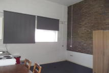 Studio flat in TO LET   New Barnet EN5