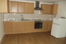Flat to rent in TO LET  Friern Barnet N11