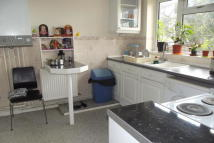 Flat to rent in TO LET  Whetstone N20