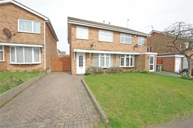 houses for sale oakley drive wellingborough
