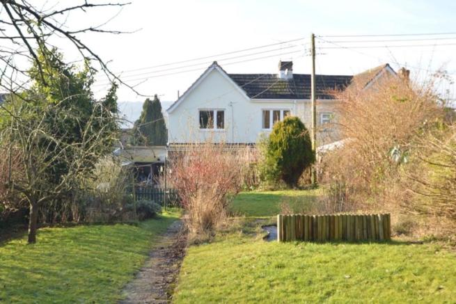 4 Bedroom Semi Detached House For Sale In Derehams Avenue