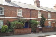 2 bed home in East Street, Farnham