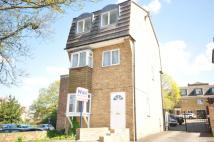 3 bed Detached home in Priory Court Gravel Walk...