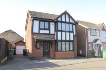3 bedroom house in Caister Close...
