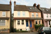 Cowper Road semi detached property to rent