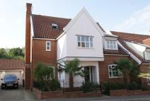 5 bed Detached property in Ashingdon Heights...