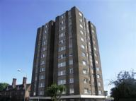 2 bedroom Flat in Broadway West...