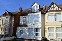 Flat to rent in Grosvenor Road...