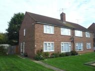 Ground Flat to rent in Emmerson Gardens...