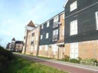 Ground Flat to rent in Riverbank Way...