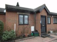 1 bed Terraced Bungalow to rent in Bletchingley Close...