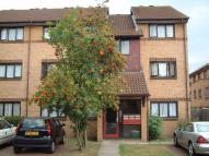 Flat to rent in Goodhew Road, CROYDON...