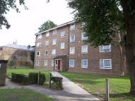 Flat to rent in 135 Addiscombe Road...