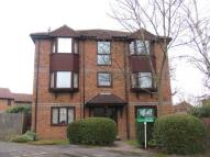 Flat to rent in Swaledale Gardens, Fleet
