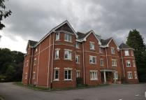 Apartment in Crawley Rise...