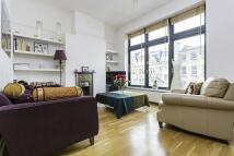 Flat to rent in Whitechapel High Street...