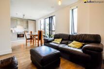 Flat to rent in Duckett Street, London E1