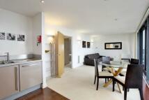 2 bedroom Flat in Blackwall Way, London E14